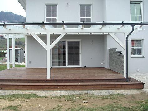 Terrassenüberdachung Holz weiß lasiert